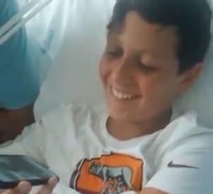 Roma, Zaniolo consola un bambino in ospedale. La reazione è commovente