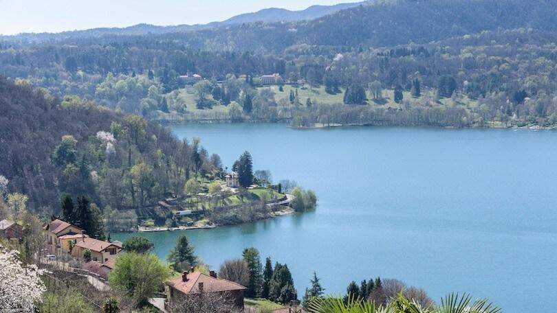 Lago d'Orta, lo sguardo verso le vette alpine: le immagini