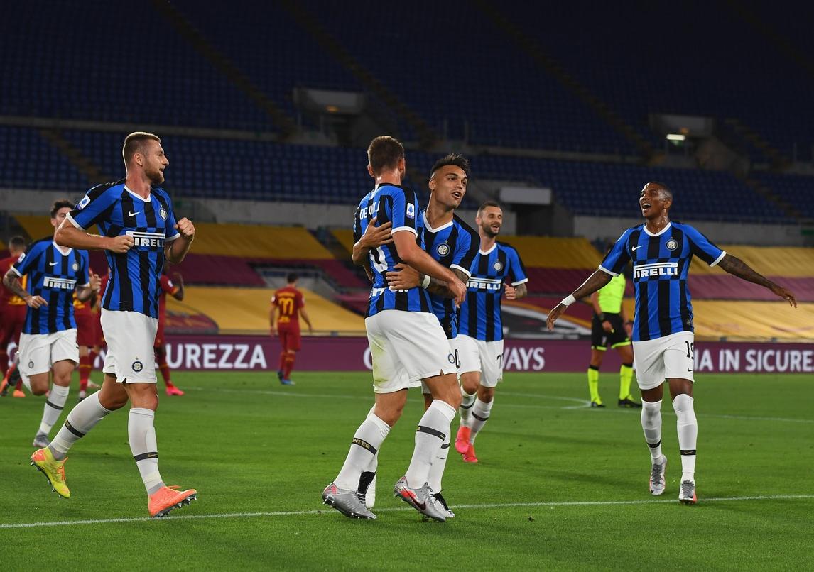 Spinazzola dà e toglie, l'Inter riprende la Roma nel finale