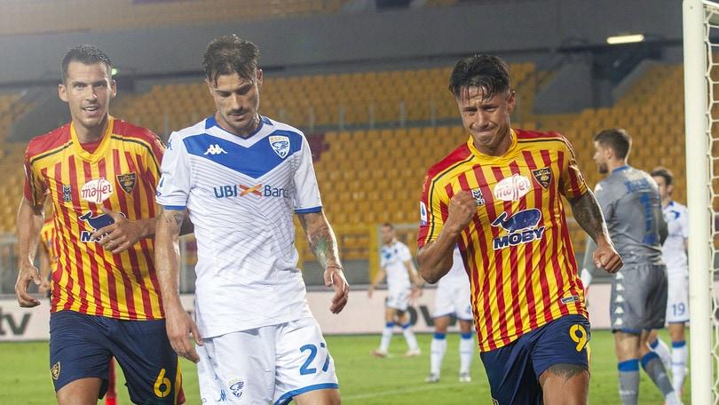 Vince il Lecce ma il Genoa fa festa nel derby e resta a +4. Brescia in Serie B