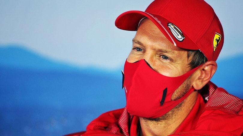 """F1, Ricciardo: """"Vettel non è abituato al centro gruppo"""""""