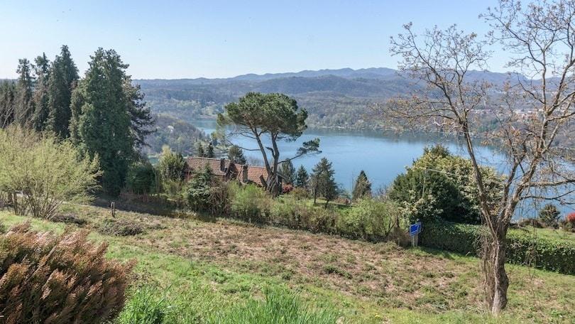 Lago d'Orta, cammini d'autore