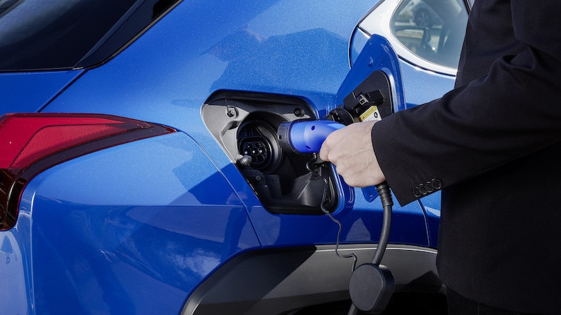 Toyota, il 'pieno' in 15 minuti con le batterie allo stato solido