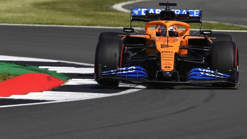 "GP Gran Bretagna, Sainz: ""Un problema guidare con vento e caldo"""