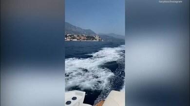 Ilary Blasi, relax al mare tra miss Bikini e ristorante