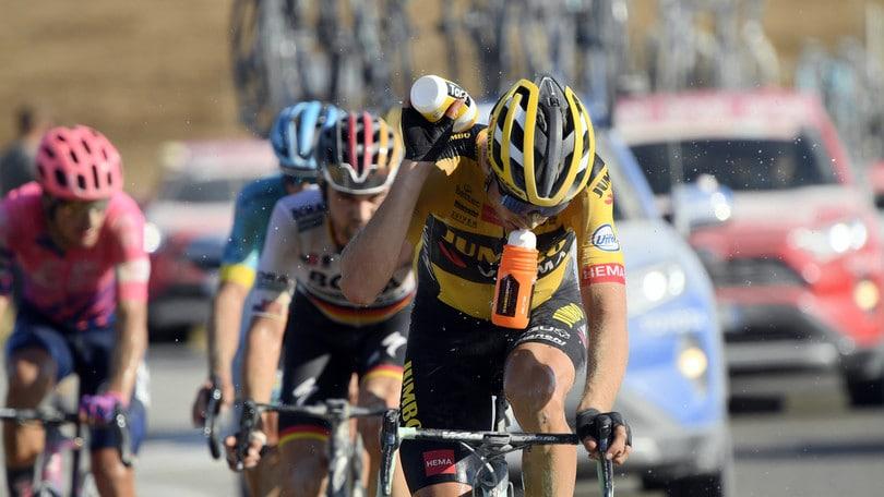 Strade Bianche, vince Van Aert. Secondo Formolo