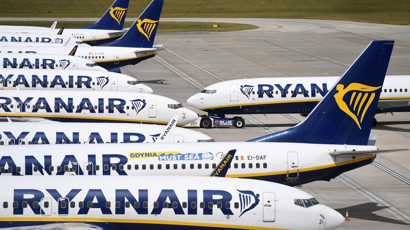 Coronavirus, hostess con la febbre: preoccupa volo Ryanair