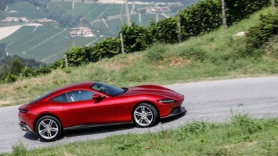 Nuova Ferrari Roma, la prova su strada: tutti gli scatti