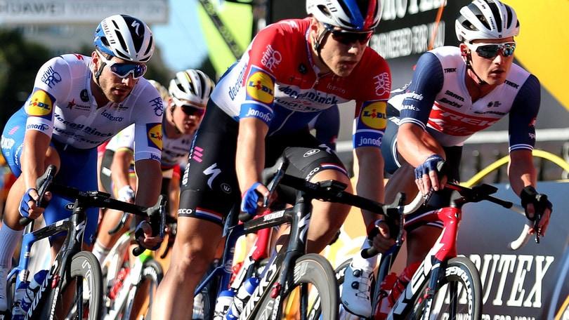 Ciclismo, Jakobsen in condizioni