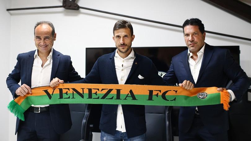 Venezia, risolto consensualmente il contratto col ds Lupo