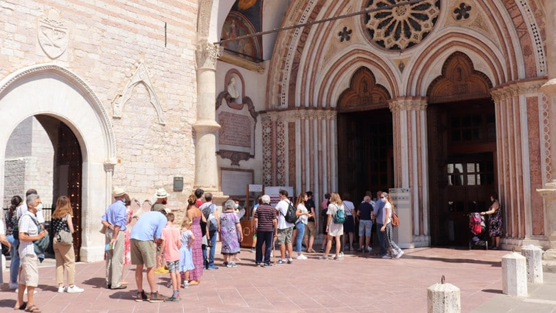 Coronavirus, positivi 8 frati francescani ad Assisi