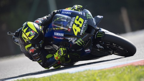 Gp Brno, Valentino Rossi sfiora il podio: Binder domina, Morbidelli 2°