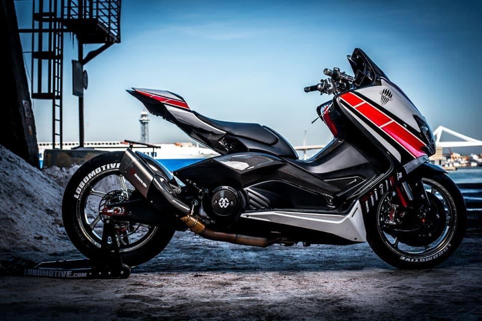 Lobomax, la Yamaha T-MAX trasformata in R1 | le immagini