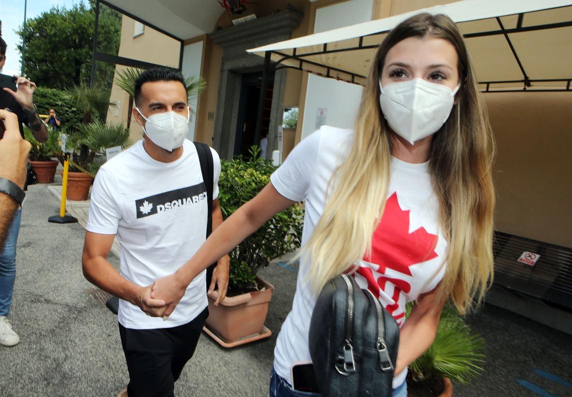 """Roma, visite mediche per Pedro: """"Felice di essere qui"""""""