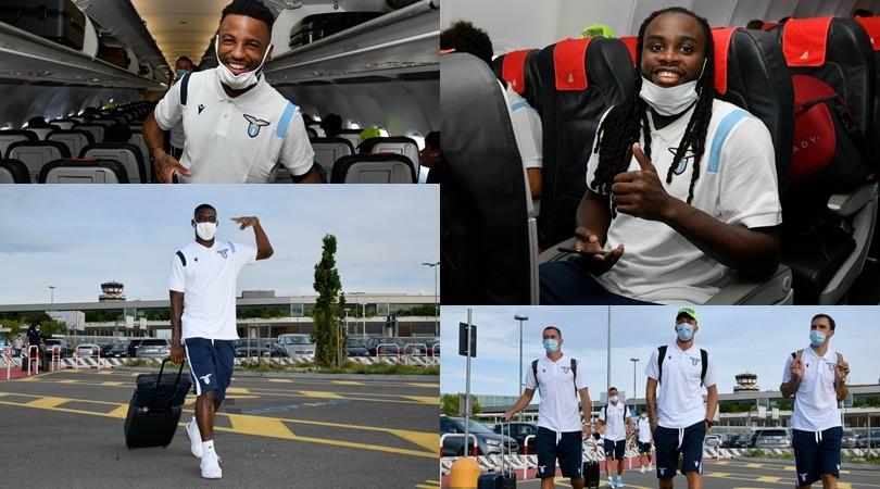 La Lazio in viaggio per Auronzo, le mascherine non coprono l'entusiasmo