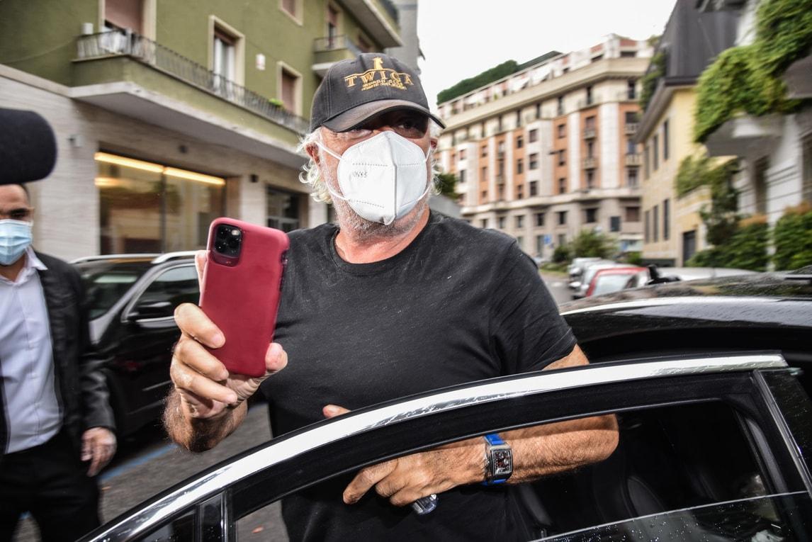 Flavio Briatore arriva nella casa della Santanché