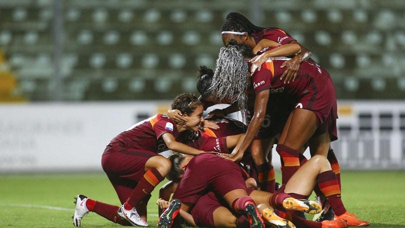 La Roma batte 2-0 la Pink Bari e centra il primo successo in questa Serie A