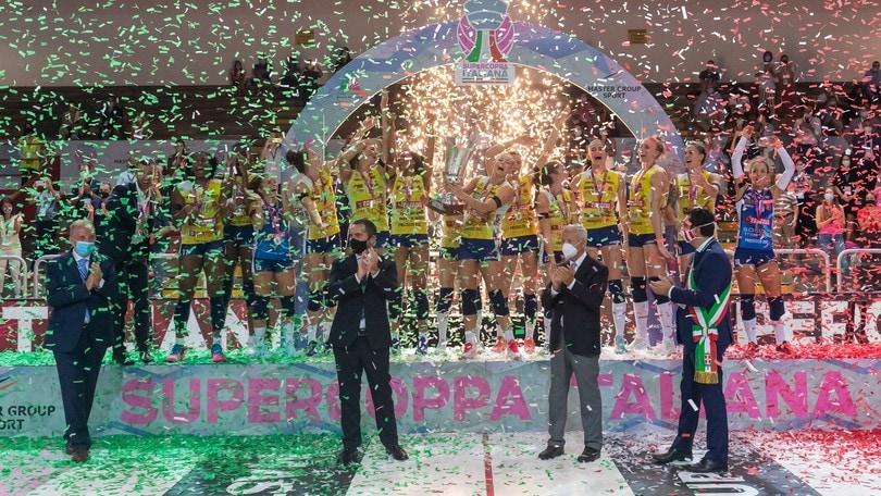 Conegliano alza la Supercoppa