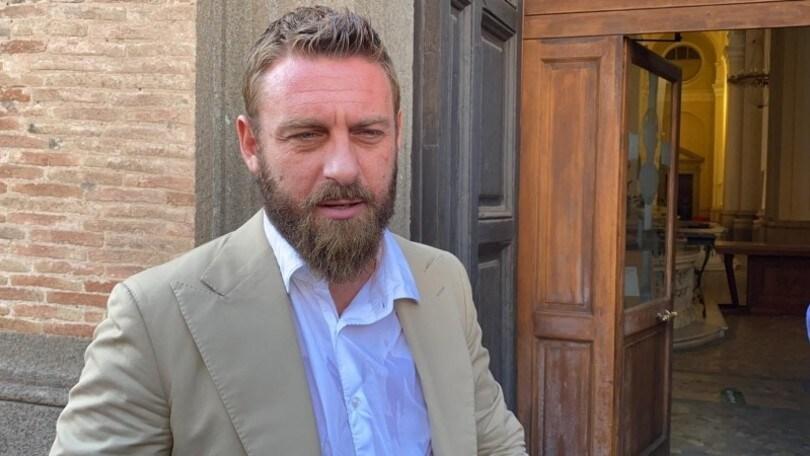 """De Rossi: """"Bravo Friedkin. Fiorentina? Ci andrei a piedi"""""""