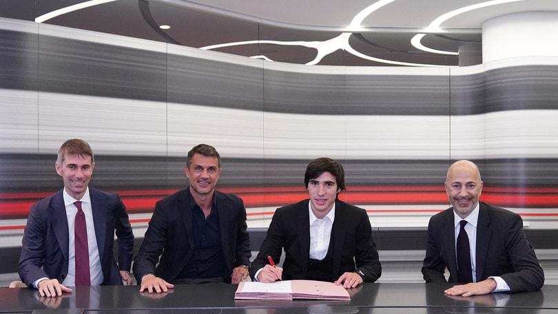Milan, adesso è ufficiale: Tonali ha firmato! Ecco tutte le cifre -  Corriere dello Sport