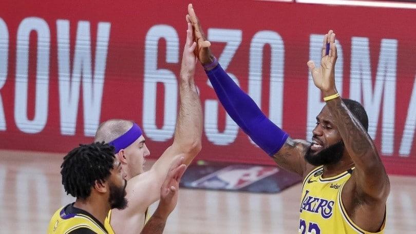 Nba, LeBron James vede la finale: Lakers 3-1 sui Rockets