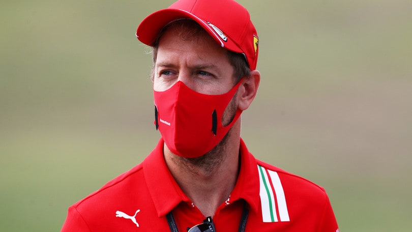 Ferrari, Vettel sbotta: