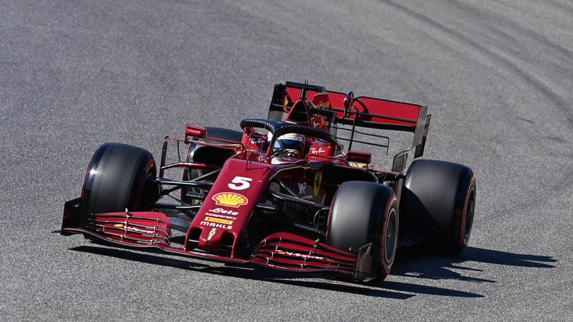"""Ferrari, Vettel sbotta: """"Non riesco a guidare questa macchina"""""""
