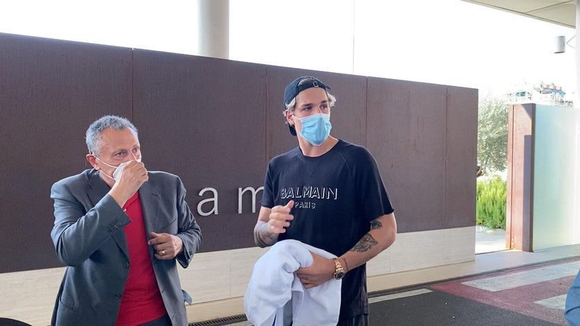 Roma, Zaniolo in partenza per l'Austria: eccolo a Ciampino