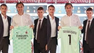 Tatarusanu, la presentazione ufficiale col Milan al fianco di Maldini e Massara
