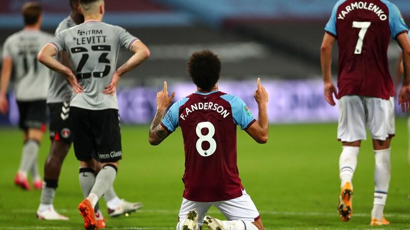 Carabao Cup: passano Aston Villa, Newcastle e il West Ham di Felipe Anderson