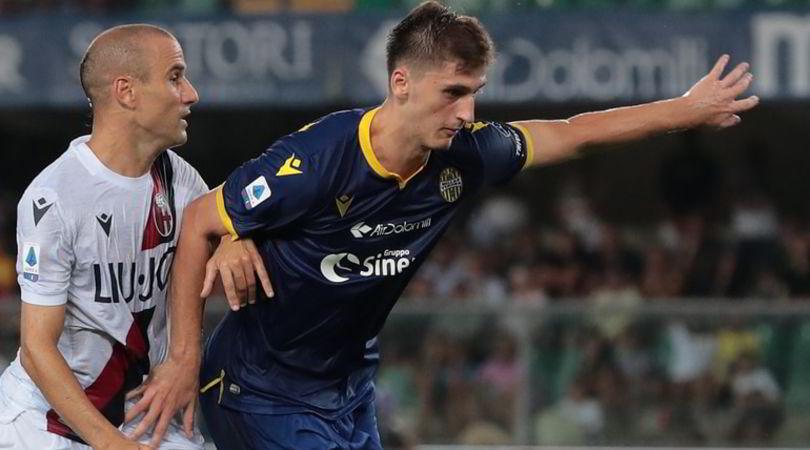 Roma, sprint Kumbulla: arriva e gioca contro il Verona