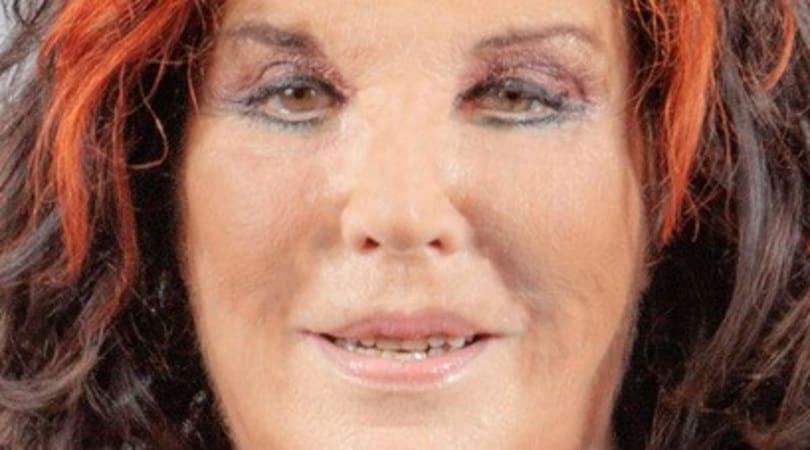 Patrizia De Blanck nuda al Grande Fratello Vip: choc in diretta dalla D'Urso
