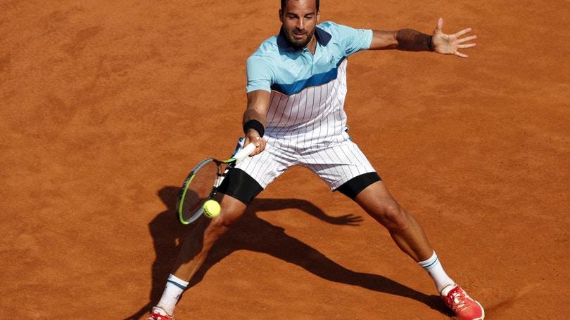 Caruso saluta gli Internazionali, vince Djokovic in due set