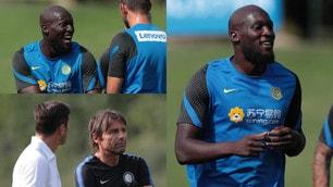 Inter, Lukaku sorridente. Javier Zanetti a fianco di Conte