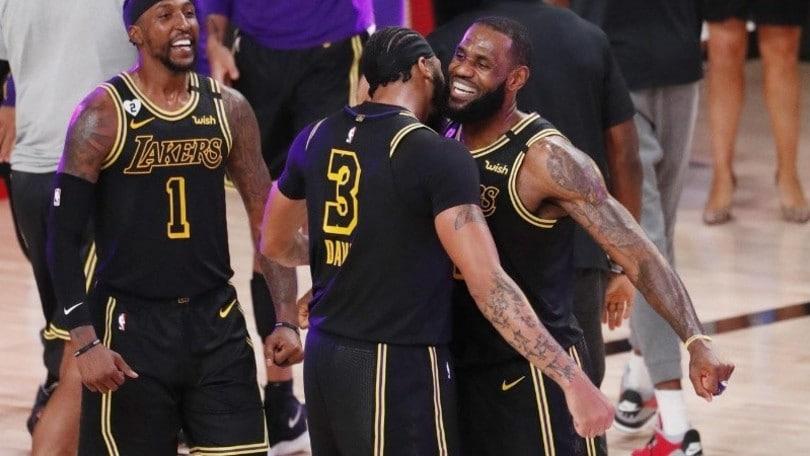 Nba, Lakers avanti 2-0 sui Nuggets: Davis decisivo a 2'' dalla sirena