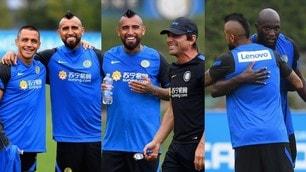 Vidal all'Inter, Conte esulta in allenamento