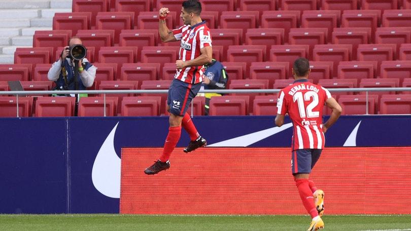 Suarez strepitoso: doppietta all'esordio, l'Atletico Madrid vince 6-1