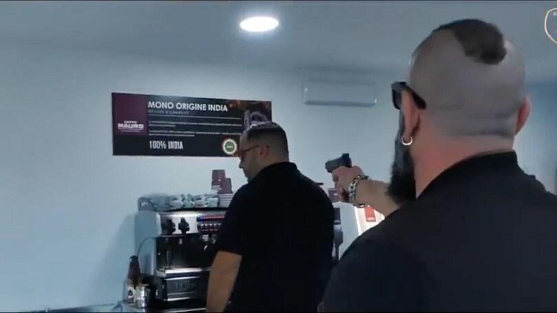 Cionek-Reggina, presentazione shock con omicidio finto VIDEO