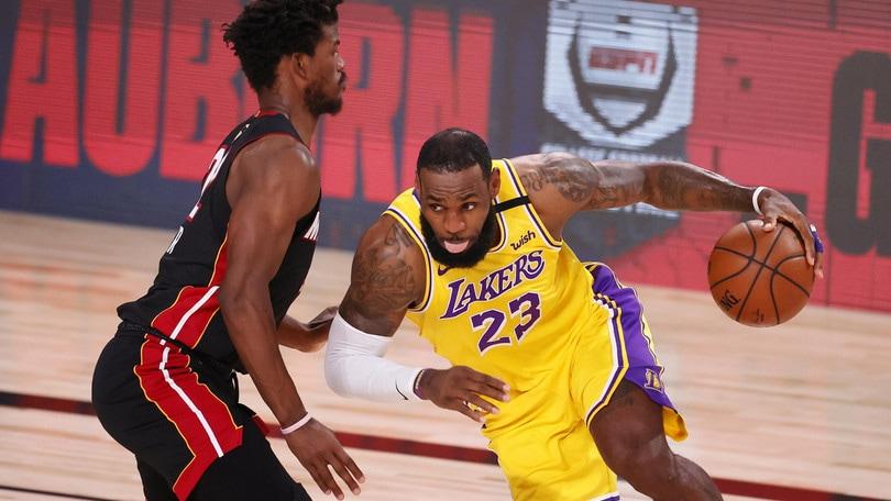Ai Lakers gara 1 della finale: Miami abbattuta da Davis e LeBron James