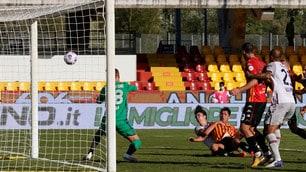 Lapadula di rapina lancia Inzaghi: Benevento-Bologna 1-0!