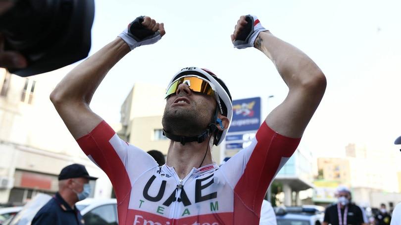 Giro d'Italia: Ulissi vince la seconda tappa, Ganna resta maglia rosa
