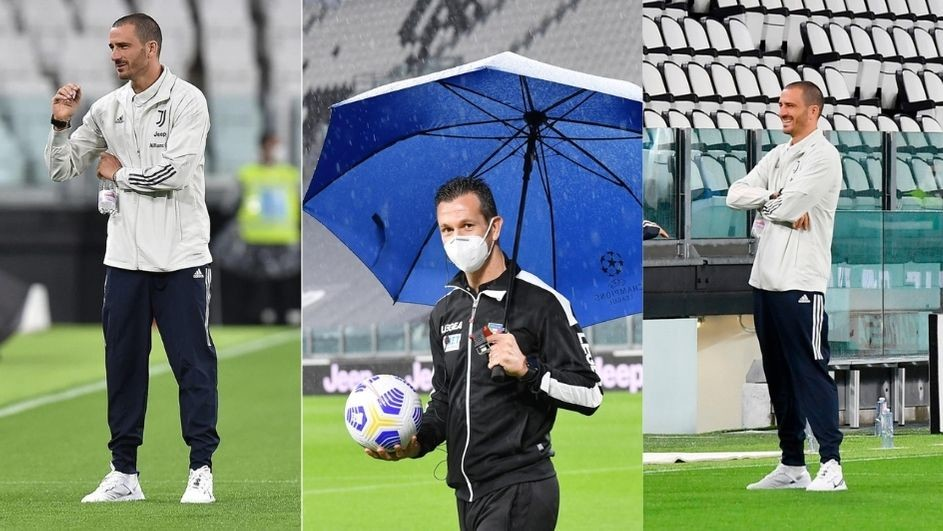 Juve-Napoli, Bonucci e la terna arbitrale sul prato dell'Allianz