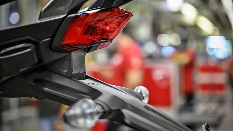 Ducati Multistrada V4, arriva la moto con radar