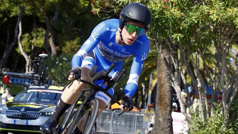 Giro d'Italia, Yates si ritira: è positivo al covid