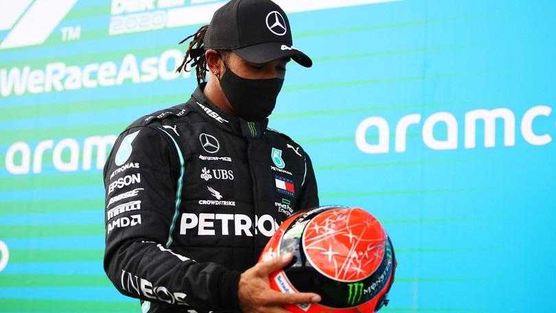 F1, la famiglia Schumacher esalta Hamilton: