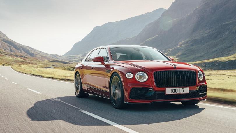 Bentley Flying Spur mette le ali con il V8