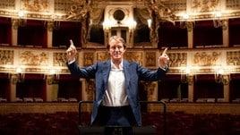 183105555 7d242203 dff4 47c1 a72e 277d50d3157c - Mancini in visita al San Carlo: posa sul podio come un direttore d'orchestra