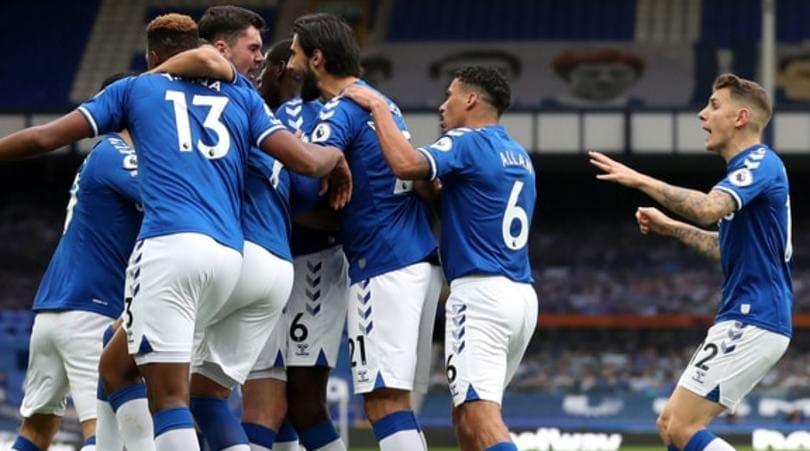 Premier League, che derby per Ancelotti: 2-2 fra Everton e Liverpool. Il City batte l'Arsenal