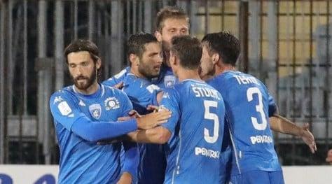 L'Empoli rimonta e resta primo. Frena la Salernitana. Pari nel derby Reggina-Cosenza