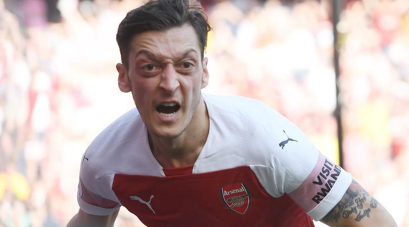 Incredibile Özil, 375mila sterline a settimana per non giocare mai